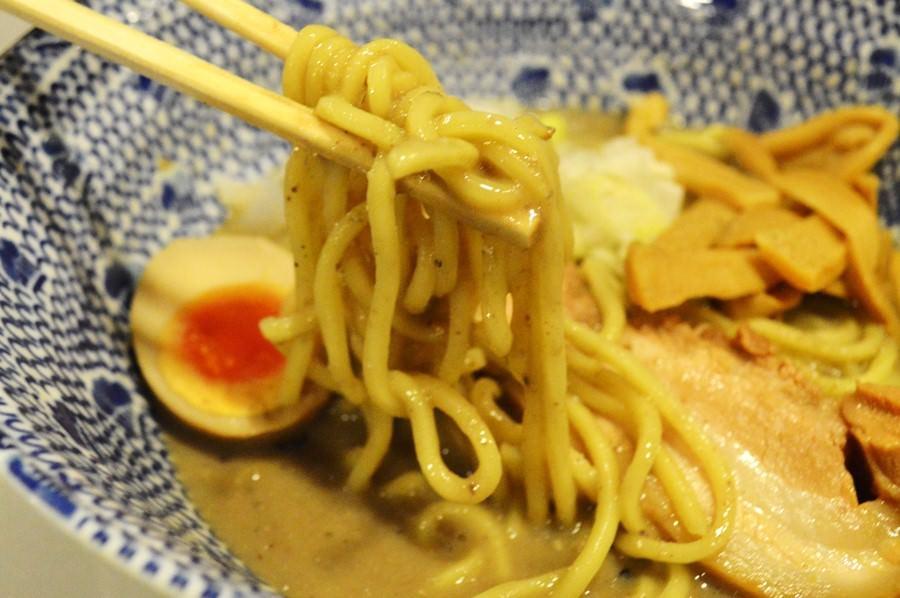 濃厚煮干しラーメンスープ