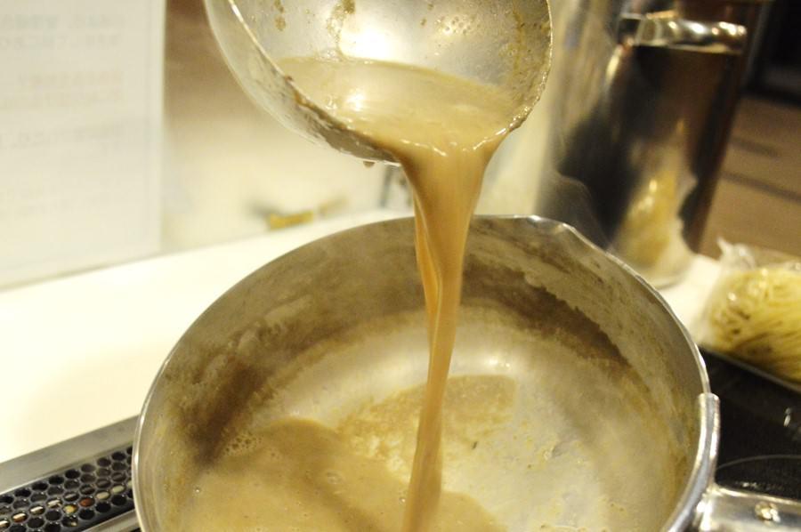 濃厚豚骨白湯ラーメンスープ